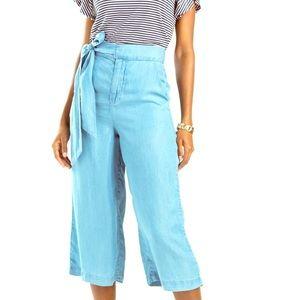 NWT Francesca's Cropped Wide Leg Pants. Size 4.